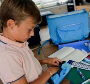 Dia Mundial do Professor: Comissão lança ferramenta para prestar apoio aos professores do ensino primário e secundário na utilização das tecnologias digitais